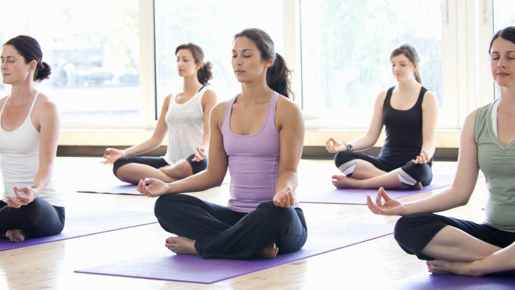 Ananda Ashram Corsi Formazione Insegnanti Yoga Operatori Massaggio Ayurvedico Milano Yogamilano